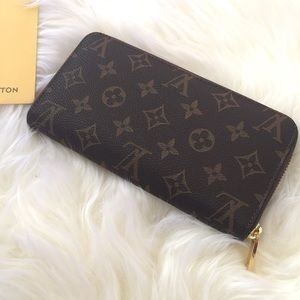 Louis Vuitton Monogram Zip Around Wallet